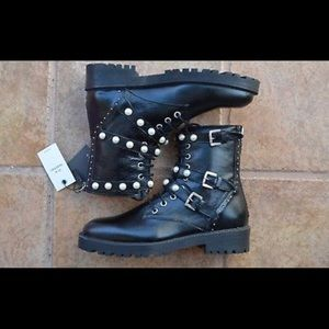 ZARA STUDDED LEATHER  BOOTS W FAUX PEARLS 6132/201